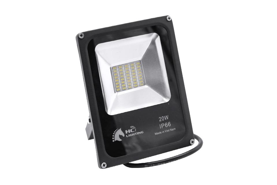 So sánh đèn LED và đèn Metal Halide