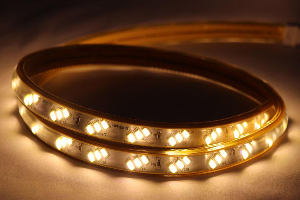 đèn led dây chiếu sáng phòng khách