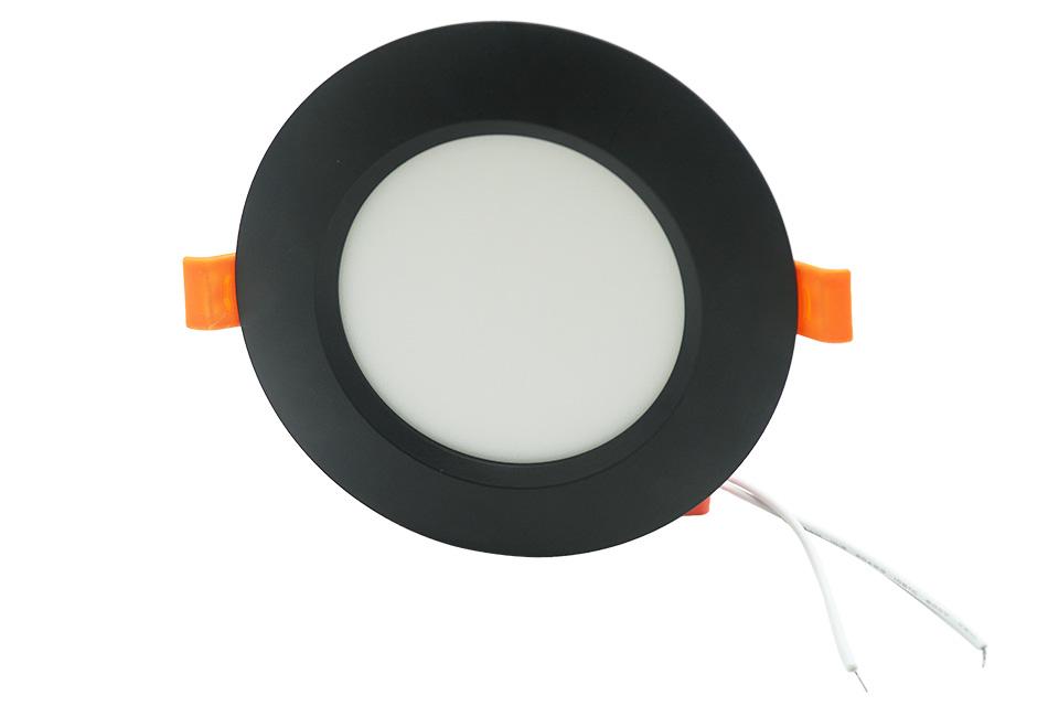 đèn âm trần chiếu sáng phòng khách