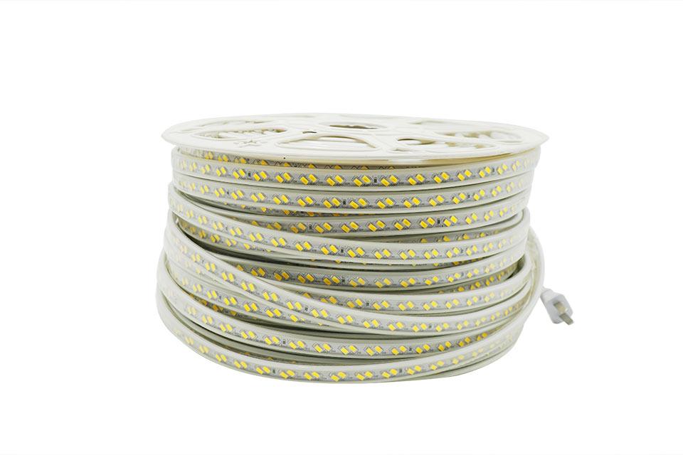 Đèn LED chiếu sáng ngoài nhà nên dùng loại nào?