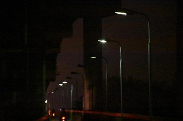 Nguyên nhân đèn đường không sáng và cách khắc phục