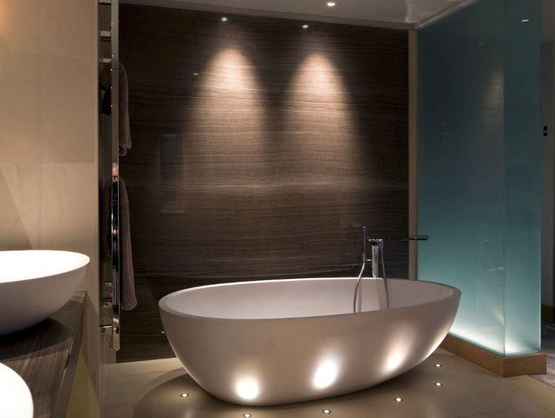 2 loại đèn LED phòng tắm được sử dụng phổ biến hiện nay