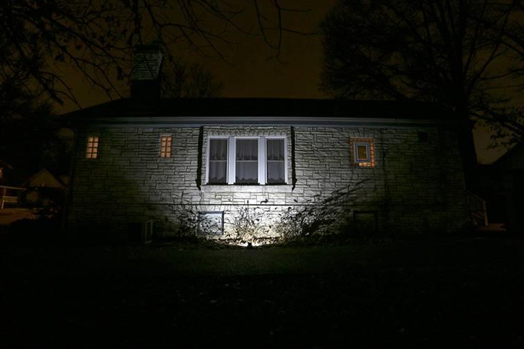 Những ý tưởng độc đáo trang trí ngoài trời bằng đèn LED